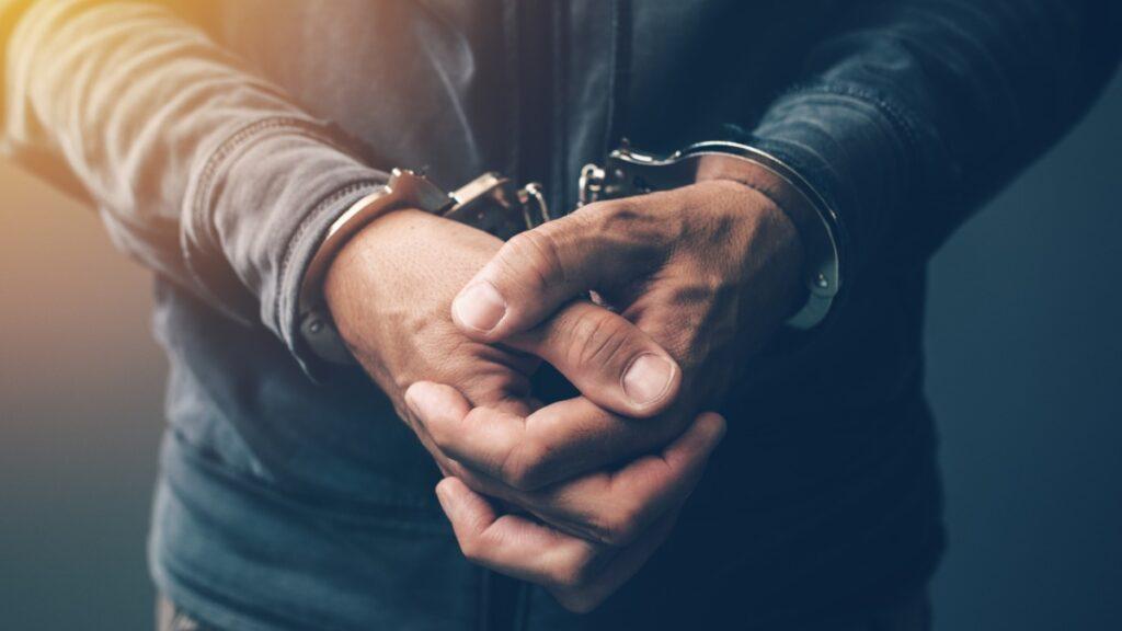 英一男子因从暗网上下载虐童图片而被警方逮捕